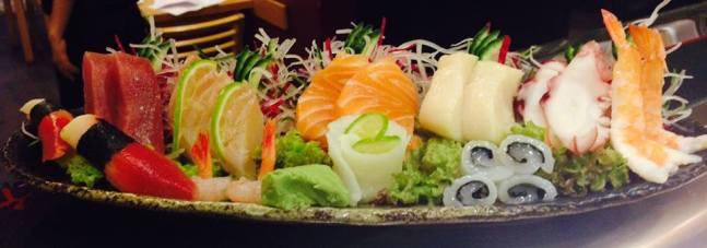 Ákos+sashimi
